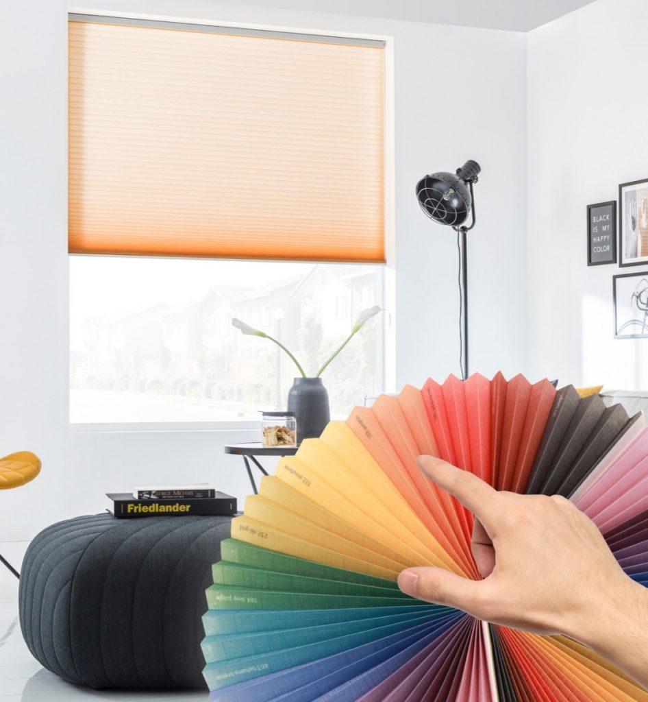De kleurenwaaier van SUNWAY® Duette® Color On Demand presenteert de 800 kleuren.