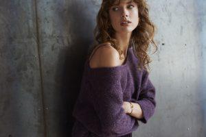 Met de prachtige donkerpaarse kleur van deze No Man's trui maakt u echt een statement